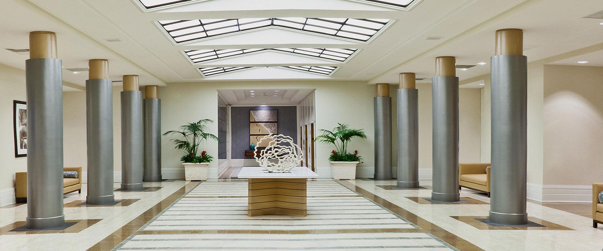 Redondo Beach Hotel Atrium