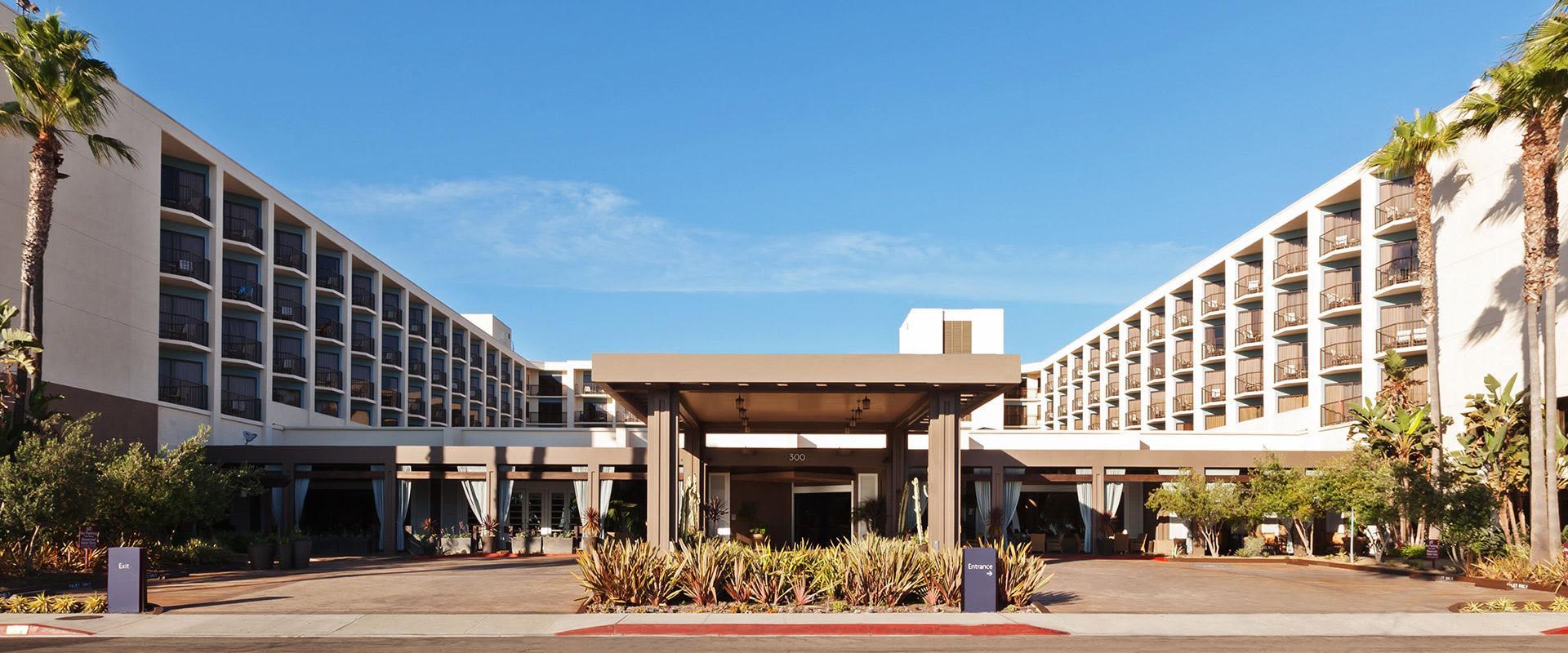 Redondo Beach Hotel Exterior Entrance