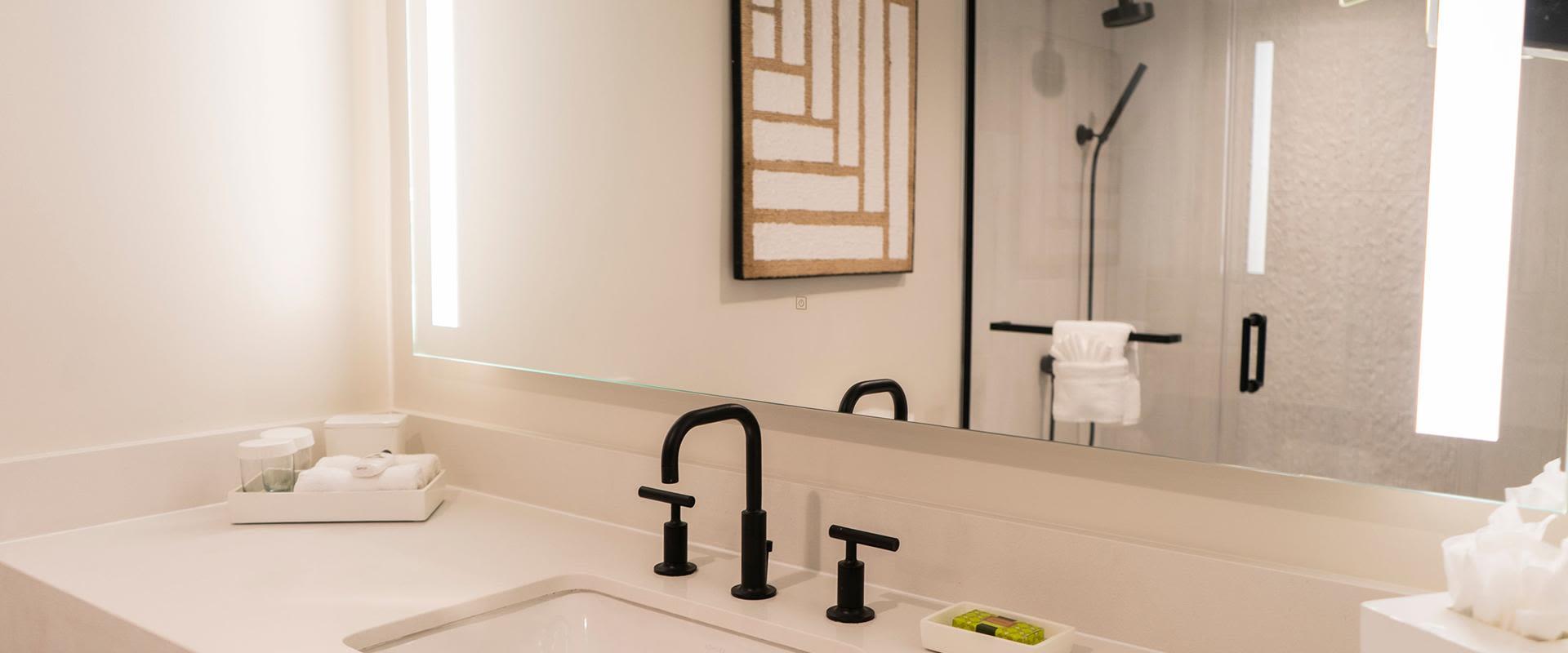 San Juan Resort Guest Room Bathroom