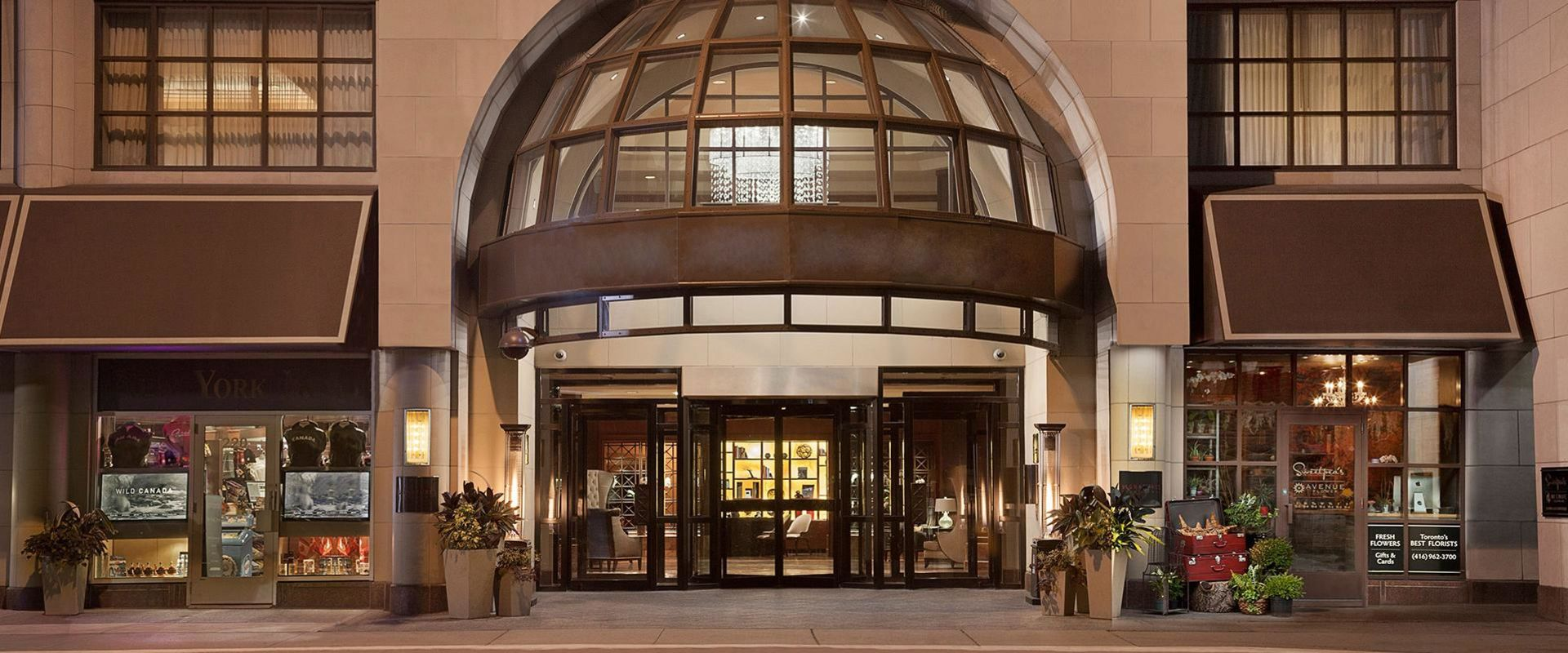 Yorkville Toronto Exterior Hotel Entrance