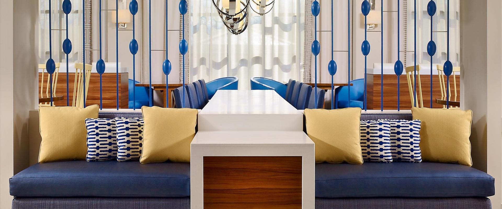 ES Suites Lobby