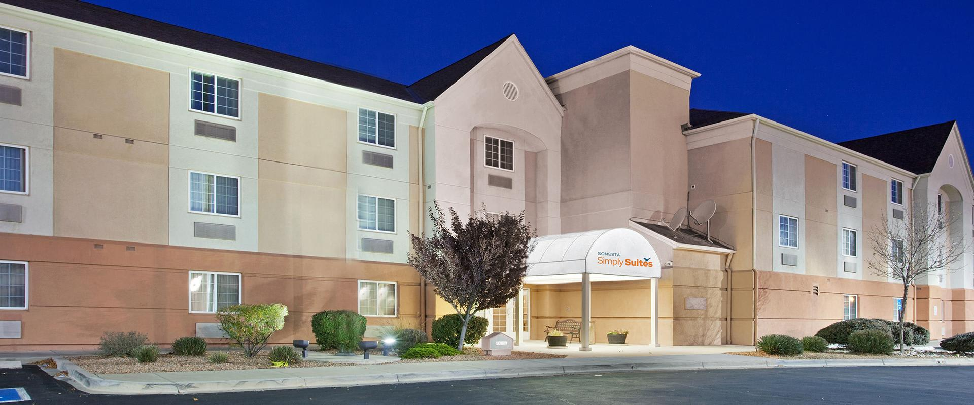 Sonesta Simply Suites Albuquerque Hotel Exterior