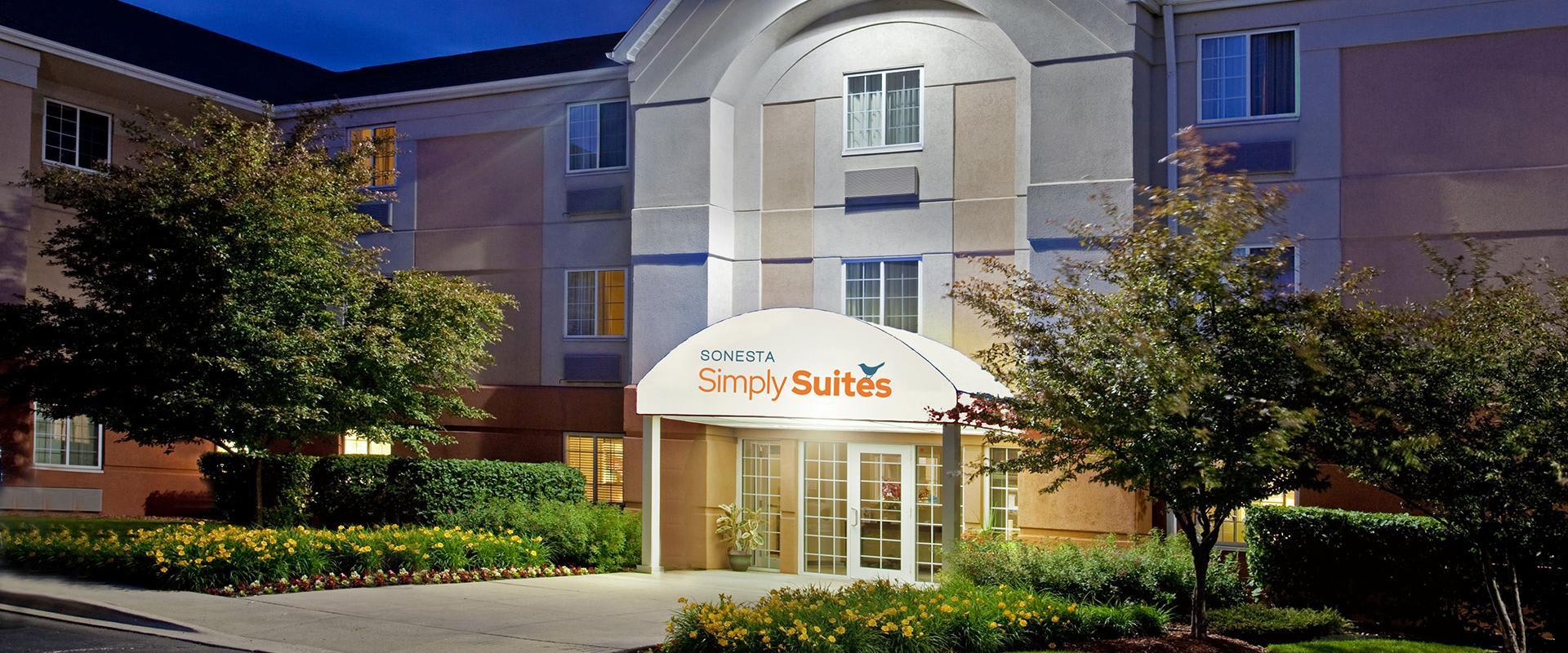 Sonesta Simply Suites Chicago Waukegan Hotel Entrance