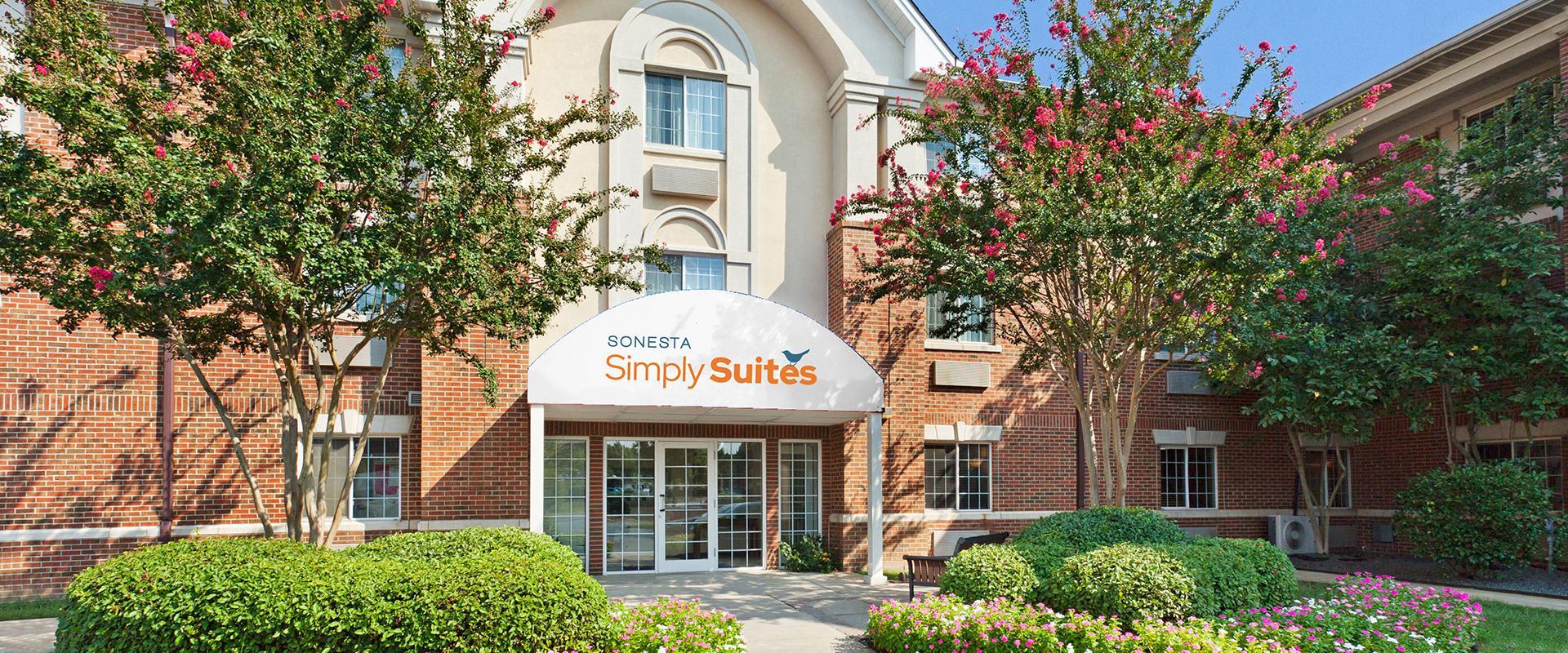 Sonesta Simply Suites Charlotte University Hotel Exterior Entrance