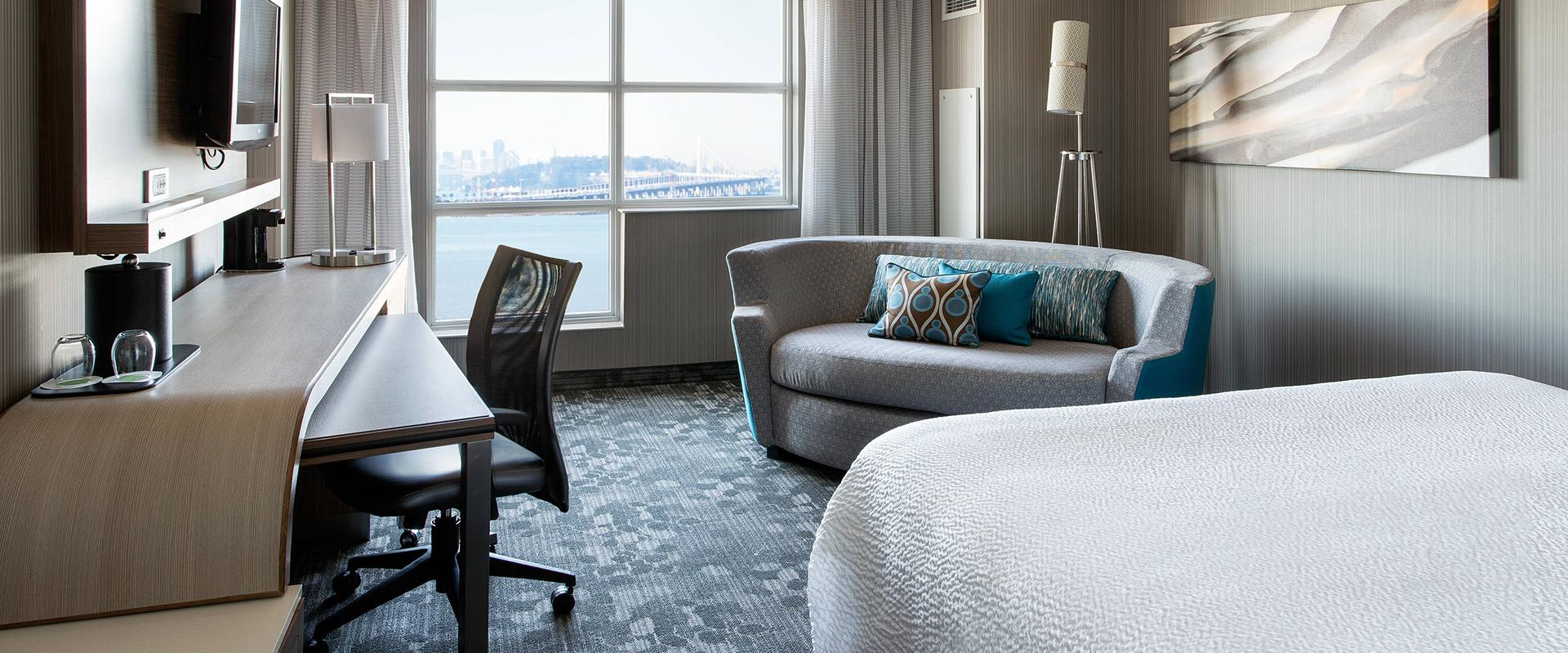 Emeryville Hotel Room with Bay View