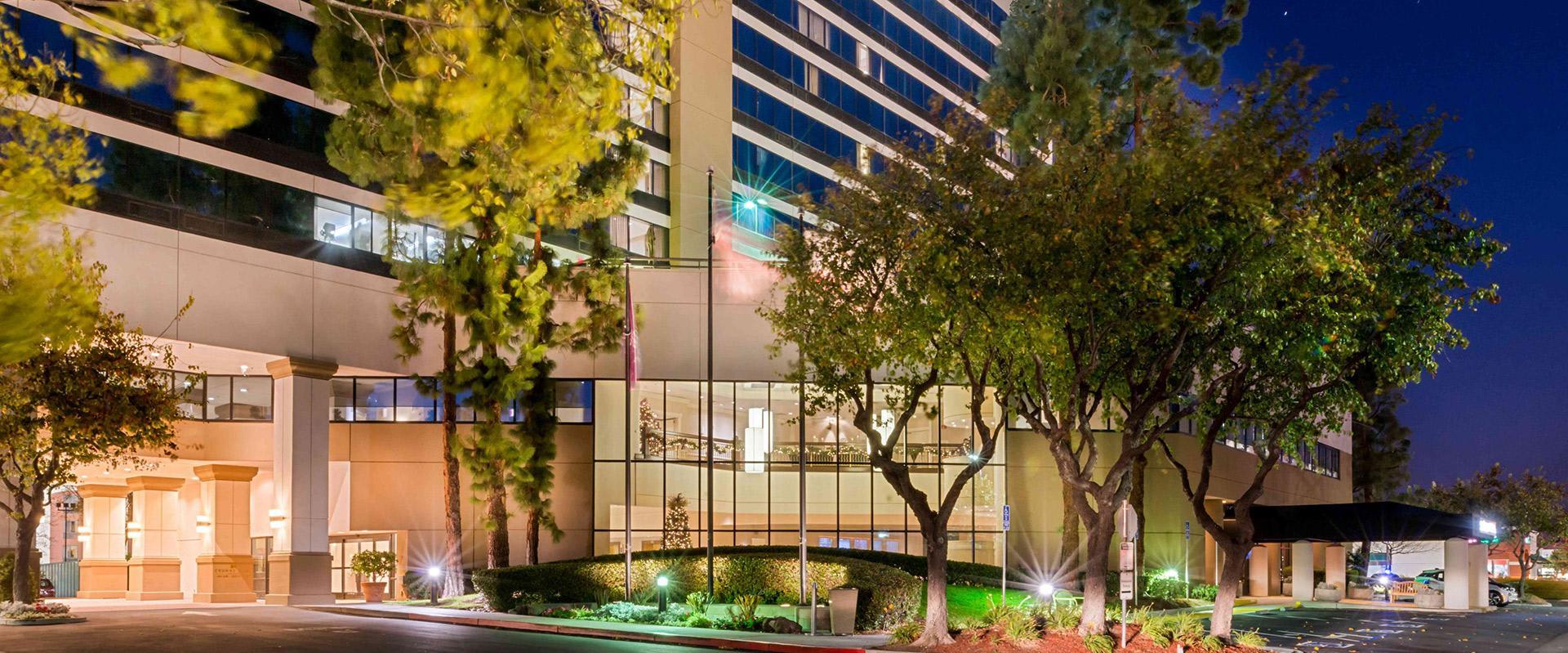 San Jose Hotel Exterior Entrance
