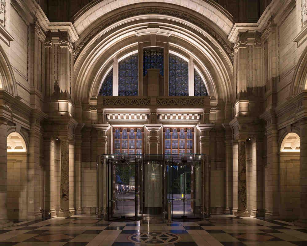 V a grand entrance 1