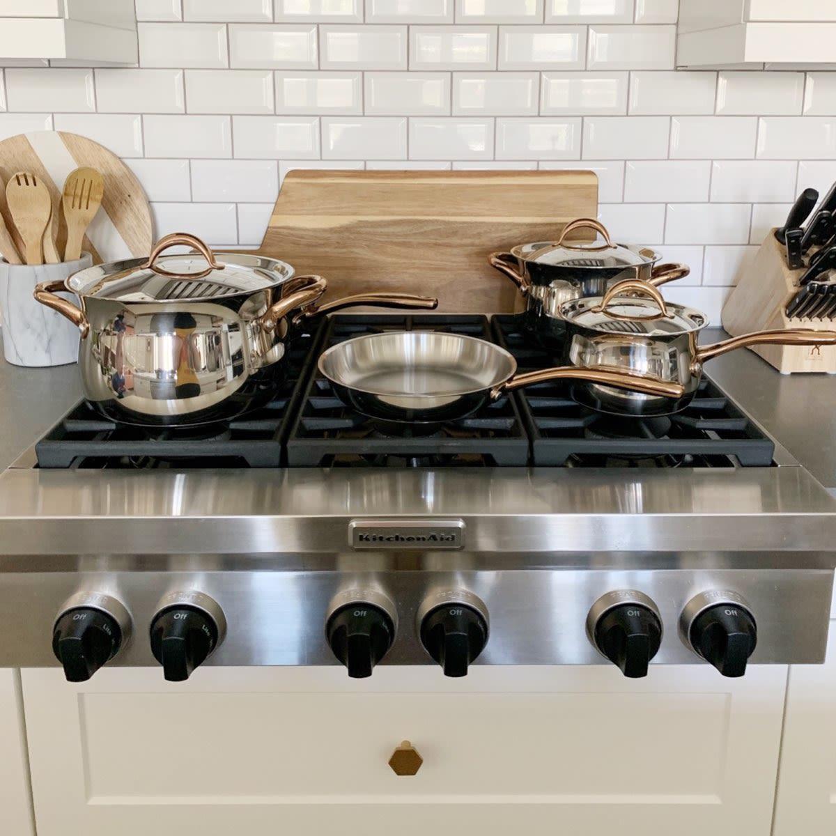 Kitchen pots and pans