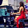 Jessmo_on_the_piano