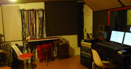 - Four Foot Studios