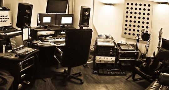 Photo of Dan Worrall Recording