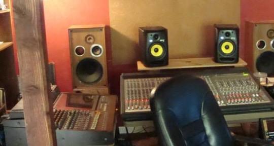 - Cosmic Sandbox Recording/Vibe Control Studios