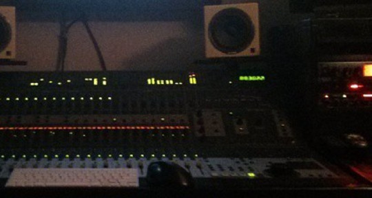 "Mixing Engineer - Arsenio ""Viz"" Mobley"