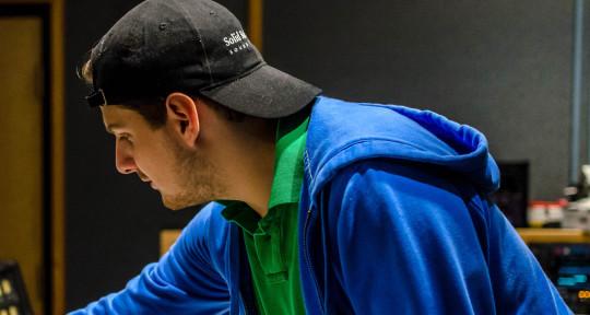 Mastering and Mixing Engineer - Felipe Mejia