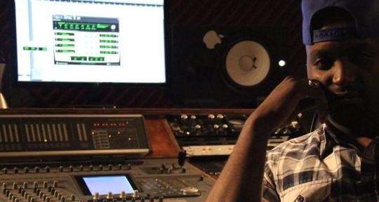 Record producer, mixer - GIGGZ