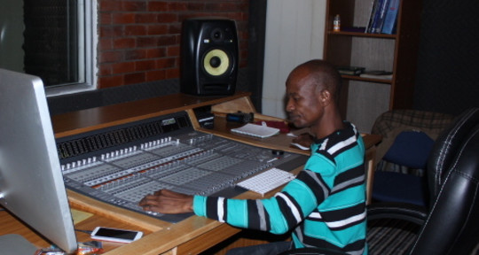 Recording, Mixing Engineer - Ewangan Studio Production