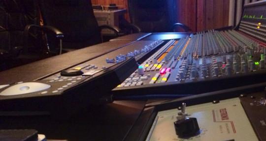 Mixing on SSL board - Ugo Venturino
