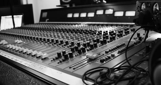 Recording Studio, Mixing - Vasilis Avg. @ Snakeytox Studio