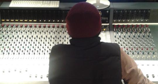 Music Producer, Audio Engineer - Alberto Leal