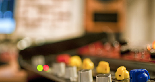 Mastering and Mixing Engineer - Red Mastering Studio