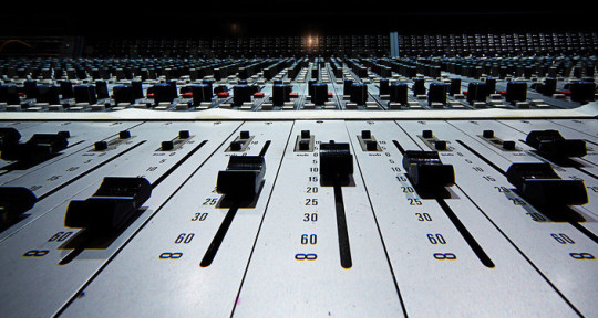 Mixing Engineer - J.V. Quintero