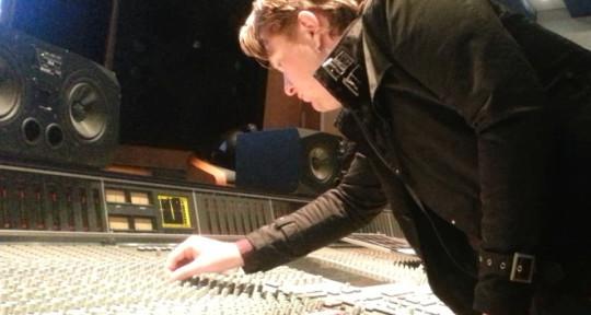 Producer, Mixing, Mastering - Guy Cooper / Serotonin