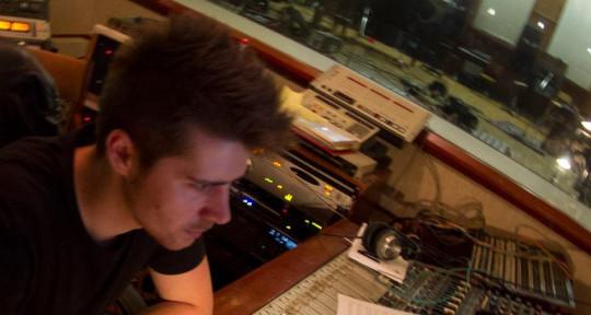 Recording/Mixing Engineer - Pedro Villasboas