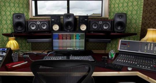 Mixing Studio - The Dream Machine Music Lab