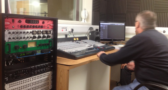 mixing engineer and producer  - 4Q studios