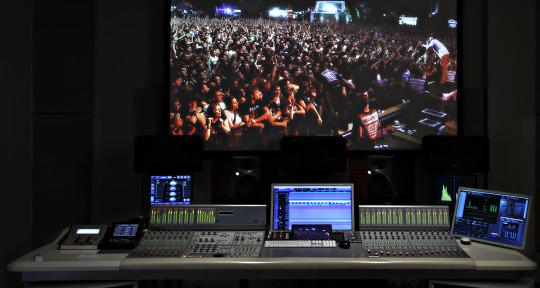 Engineer, Studio Owner - Nico Berthold