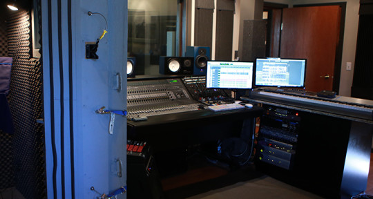 Recording, Mixing, Mastering - Paranoyd Sound Studios