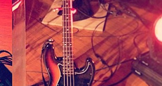 Session Bass Player - Will Funderburke