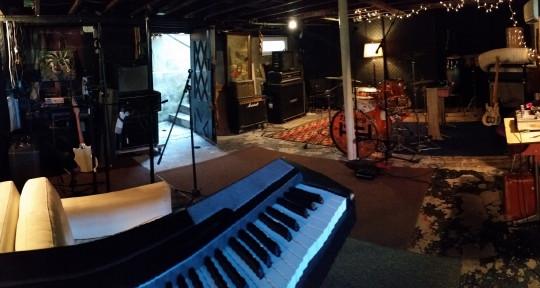 Recording studio Mixing Master - THUNDERDOME STUDIOS