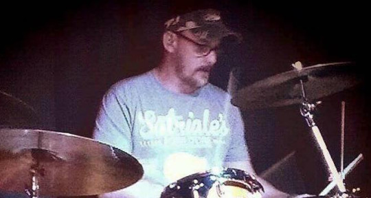 Session Drummer / Percussionis - Scott Fugate