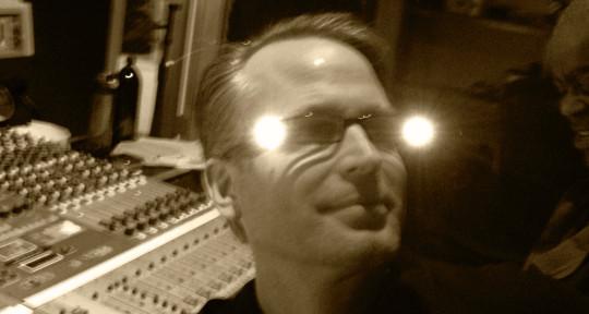 Photo of Gardner Knight / Mixer