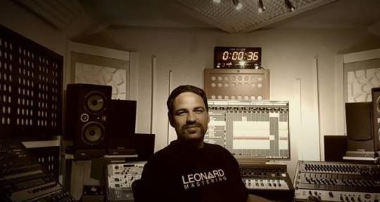 Photo of Leonard Mastering