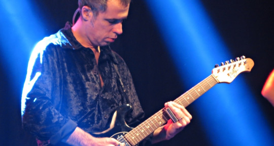 Guitar Player/Producer - Billy Brandao