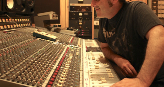 PRODUCER/MIXER/BASSIST - Ben Rubin