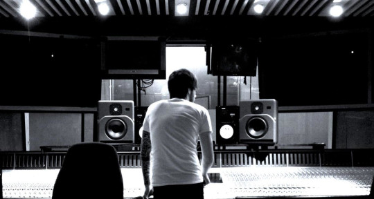 Mix Engineer - Andy Menhenitt