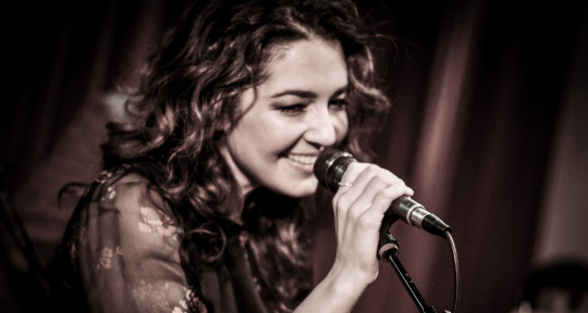 Session singer / Songwriter  - Sara Mann