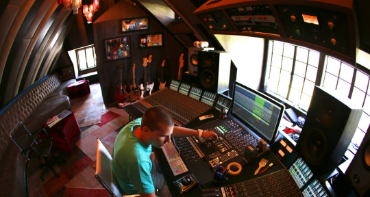 Mixing & Mastering Engineer - X-Change Mastering Studio