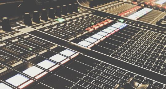 Music Producer - Noah Schmidt