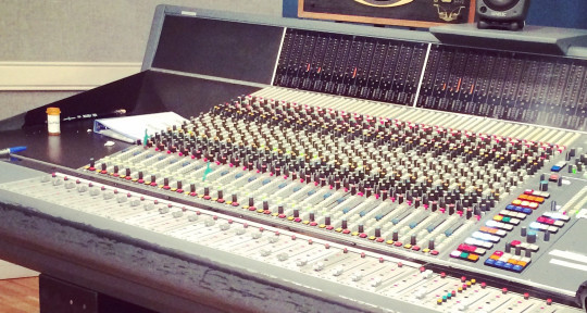 I am a Mixing engineer - shayna graverson