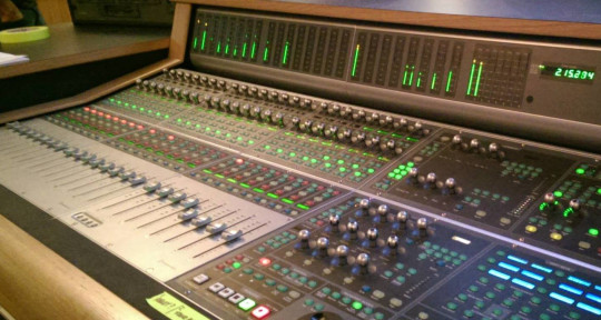 Mixing and Mastering Engineer - Michael Newton