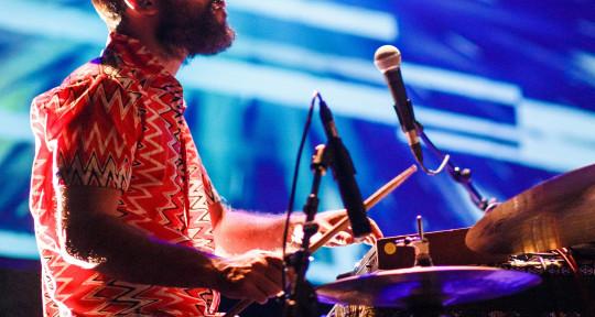 Drums/Percs/Mix/Production - Bruno Buarque