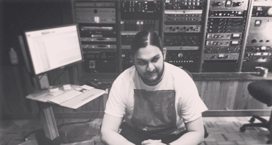 Mixing and Mastering Engineer - Daniel Florez