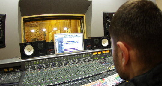 Recording, Mixing & Mastering  - Alex Newgen Music Producer