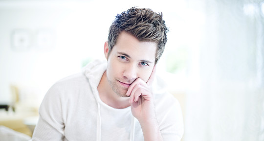 Session Vocalist and Top-liner - Drew Seeley