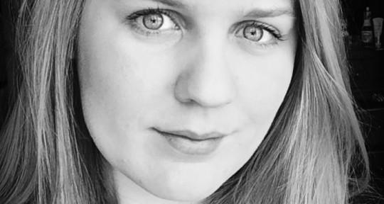 Singer/Violist/Composer - Lindsay W