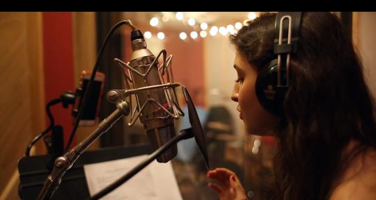 Singer, Songwriter, Piano - Hannah Celeste